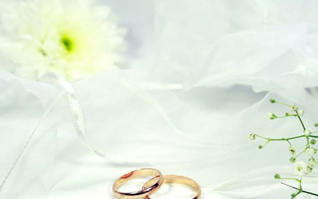 How to hold a wedding ring warming that warms your hearts too